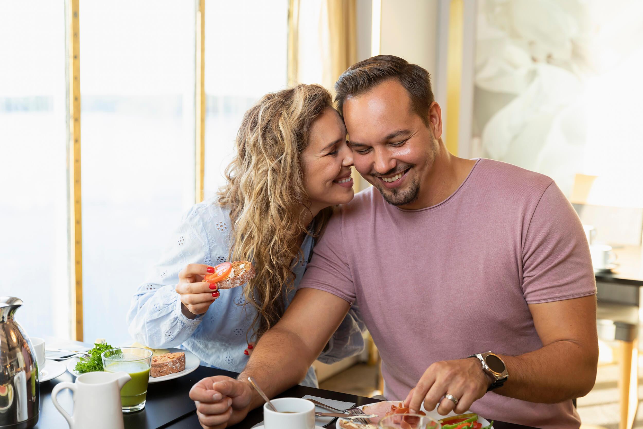 Singles Dating Vihje #1: Vältetään Fake Singles Online Dating Sites Kotitekoinen Perintökalu Laatu perinteisten etnisten räsynykesta Raggedy.